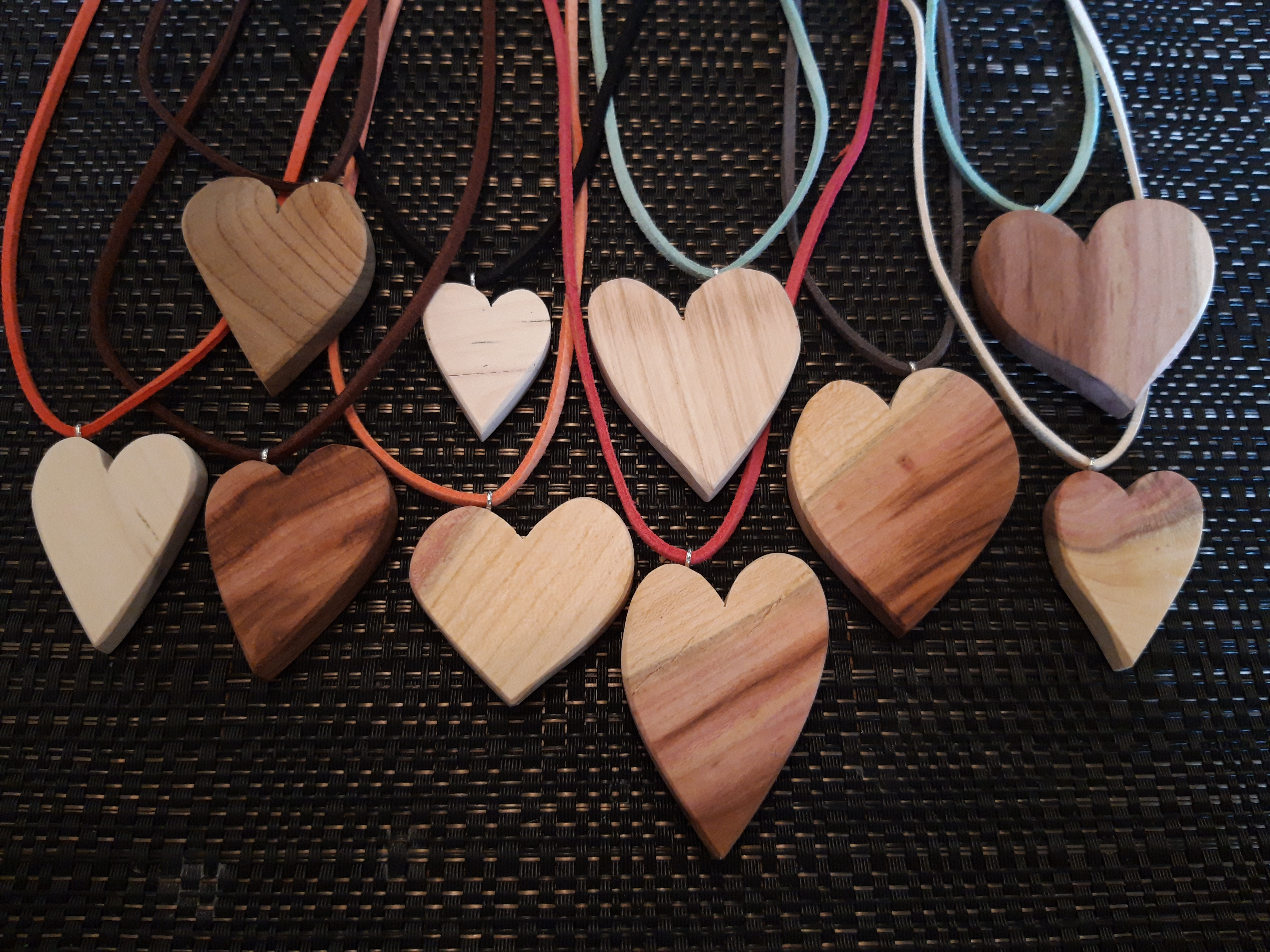 drevené šperky demo